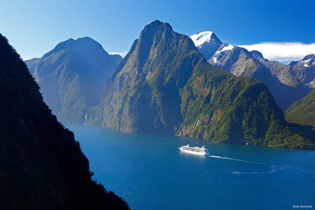 Milford Sound - Luxury Touring - New Zealand